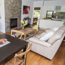 Knox Farm Cottage - Romantic Getaway Accommodaton Bright Victoria
